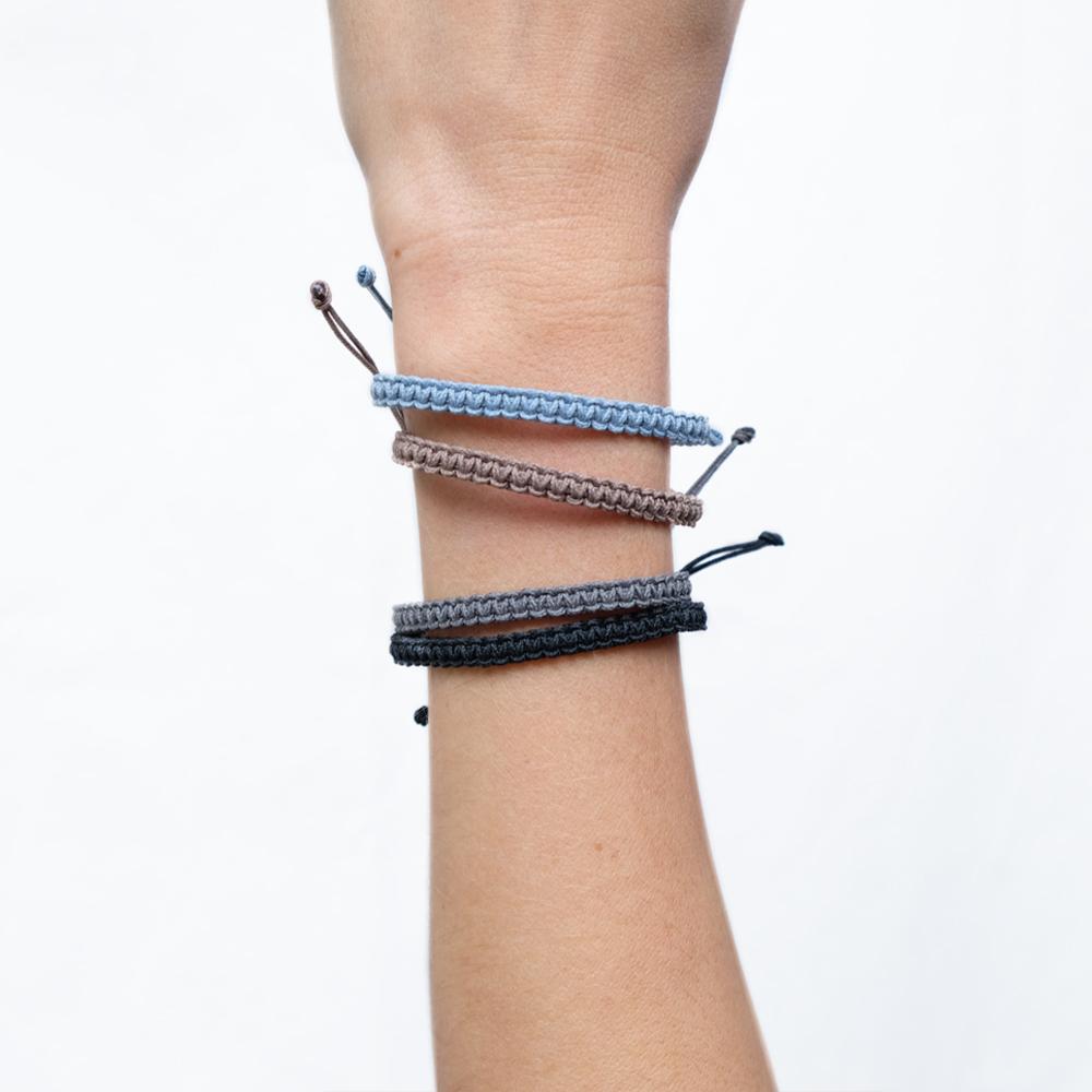 Bracelet Macramé Bleu Clair / Taupe / Gris Foncé / Noir - M - La Médaille de Saint-Tropez