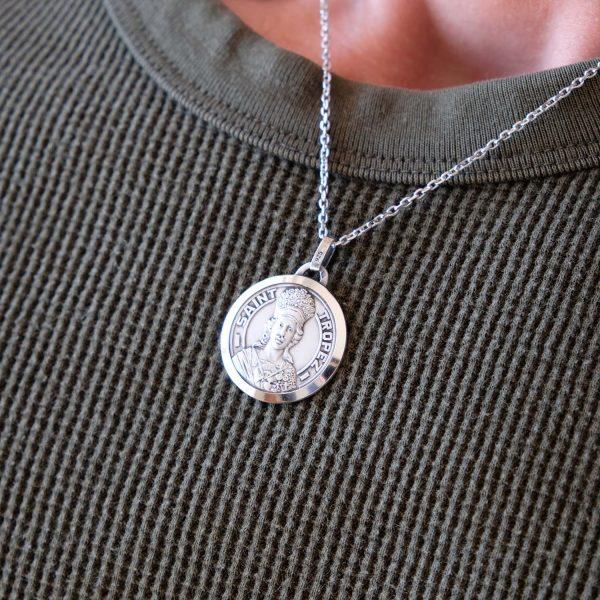 Médaille matte lapidée - La Médaille de Saint Tropez